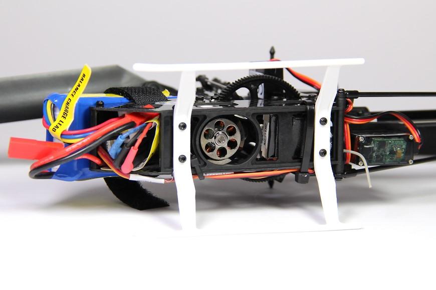 09-Blade-180-CFX-Micro-3D-Helikopter-Chassis-unten-Motor.jpg
