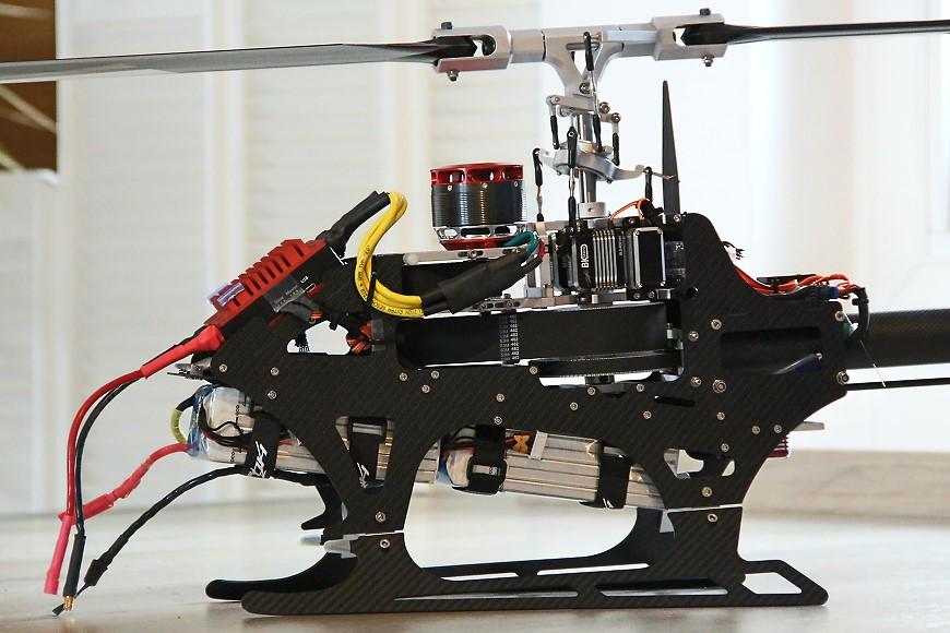 HD750 - eingebaute RC Komponenten: Blick auf die linke Seite
