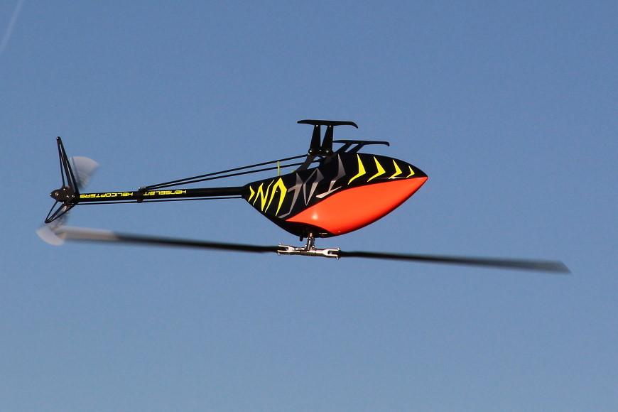 Henseleit TDF - Jungfernflug: ...auch auf dem Rücken.
