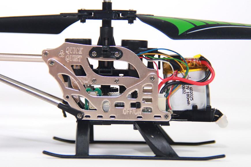Jamara Gyro V2 / 038150 - ohne Haube, Blick auf den Lipo Akku von rechts